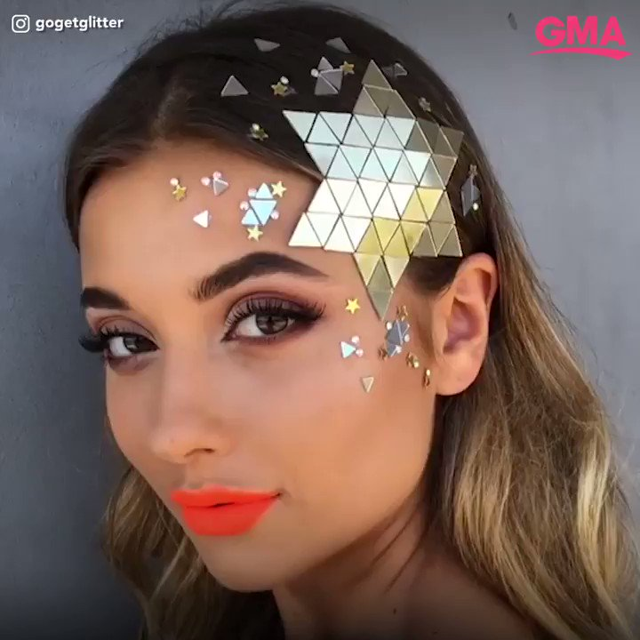 People Are Taking Glitter Roots To The Next Level With Rhinestone