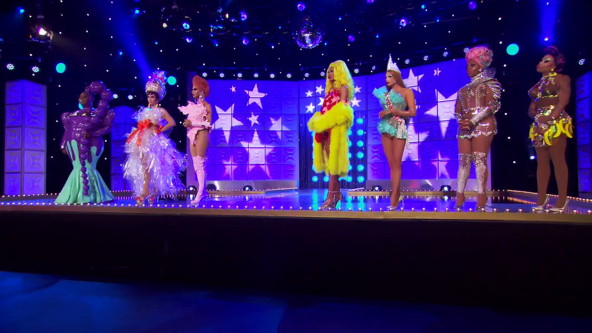 RT @RuPaulsDragRace: Party. ???? #AllStars4 https://t.co/qMNug0cq9X