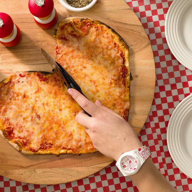 Take a pizza my heart ❤️🍕 #GUESSWatches https://t.co/sTBBtK1zDr https://t.co/aNQKneZu8z