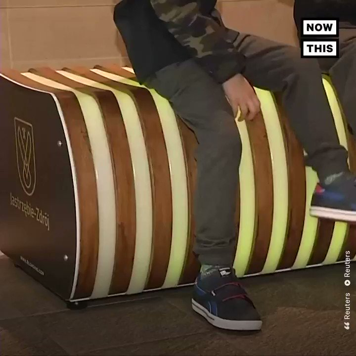RT @nowthisnews: This bench tells you if the air outside is too polluted —and also has a built-in purifier https://t.co/MdzQkREiVH