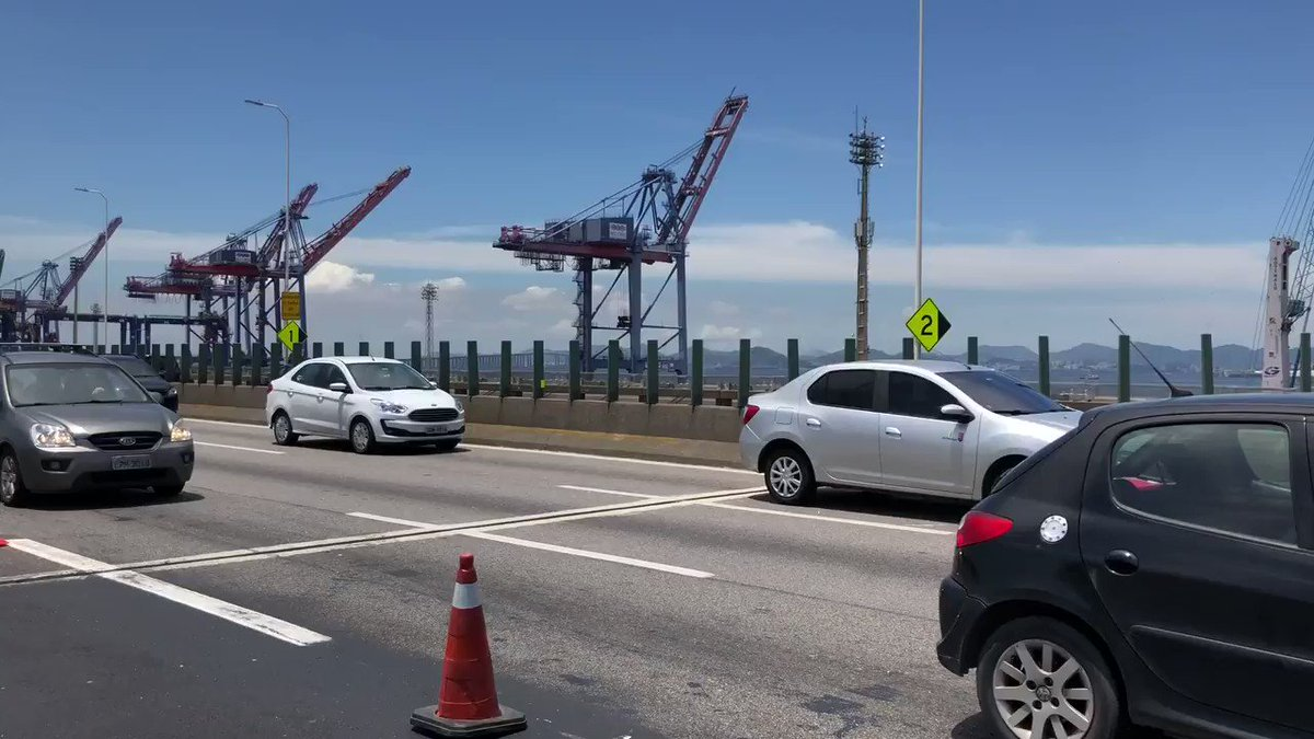 O presidente @jairbolsonaro esteve no Rio de Janeiro neste sábado (15) para cerimônia de inauguração da alça que liga a Ponte Rio-Niterói à Linha Vermelha. Saiba mais: