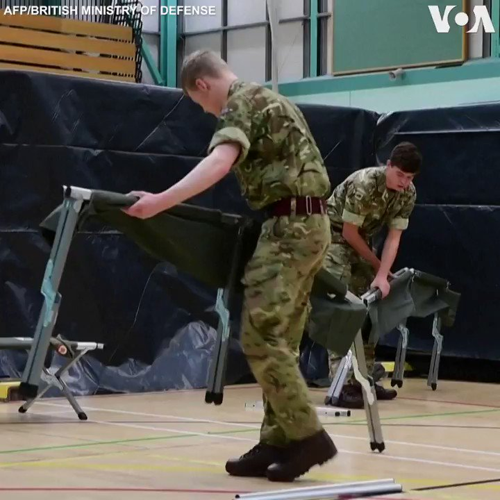 CORONAVIRUS  ▶️ 🇬🇧 British Army soldiers set up camp beds Wednesday at a leisure center in Penrith for coronavirus patients if local hospitals are running at full capacity.  Britain has reported 34,164 confirmed cases and at least 2,926 deaths. (AFP)
