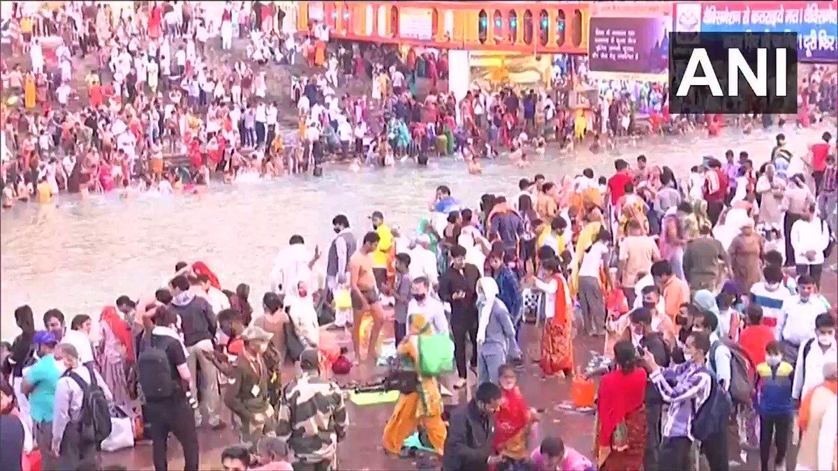 #WATCH | People take a holy dip in Ganga river at Har Ki Pauri in Haridwar, Uttarakhand.