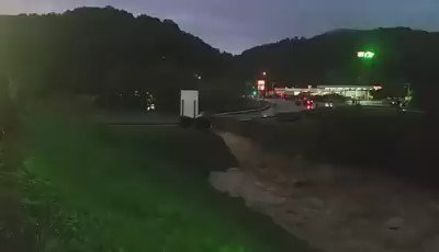 The bridge going into Elkview's Crossings Mall has washed out. Shoppers, workers stranded in the plaza #EyewitnessWV https://t.co/hw3yIJfNYi