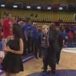 ¡@jjbareapr recibe el trofeo de campeón del #Centrobasket2016! https://t.co/qUqteio0sk