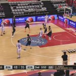 The value of the extra pass! 😁💨🏀😃 @Mutic12 with the finish #FIBAU17  📺https://t.co/EWsTHK9o9y https://t.co/V78qj1mW89