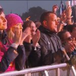 WOW! Beautiful sing-a-long during The Scientist! #ColdplayGlastonbury | via BBC https://t.co/15SQXSgIuB