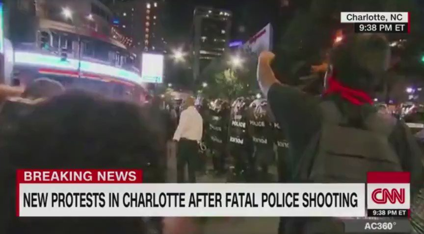 Police rush to grab, arrest protester at #CharlotteProtest https://t.co/ybgLX5xSID