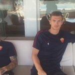 La coppia @EdDzeko - @OfficialRadja invia il suo messaggio di auguri al #Capitano  #Totti40  #Dzeko #Nainggolan https://t.co/rVkaaEcGGm