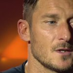 🎥 Lintervista di Francesco #Totti per i suoi 40 anni  #Totti40 https://t.co/Iz0EAkiPEy https://t.co/lRCuHrIhfZ