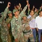 WATCH: District Reserve Group Jawans celebrate in Jagdalpur (Chhattisgarh) after #SurgicalStrike by Indian Army. https://t.co/hy6etwnwcy