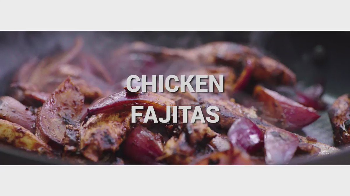 An hour to go guys! @Channel4 at 8pm and you'll have some loverly chicken fajitas coming your way! xxJO x https://t.co/2oY2BxucKz