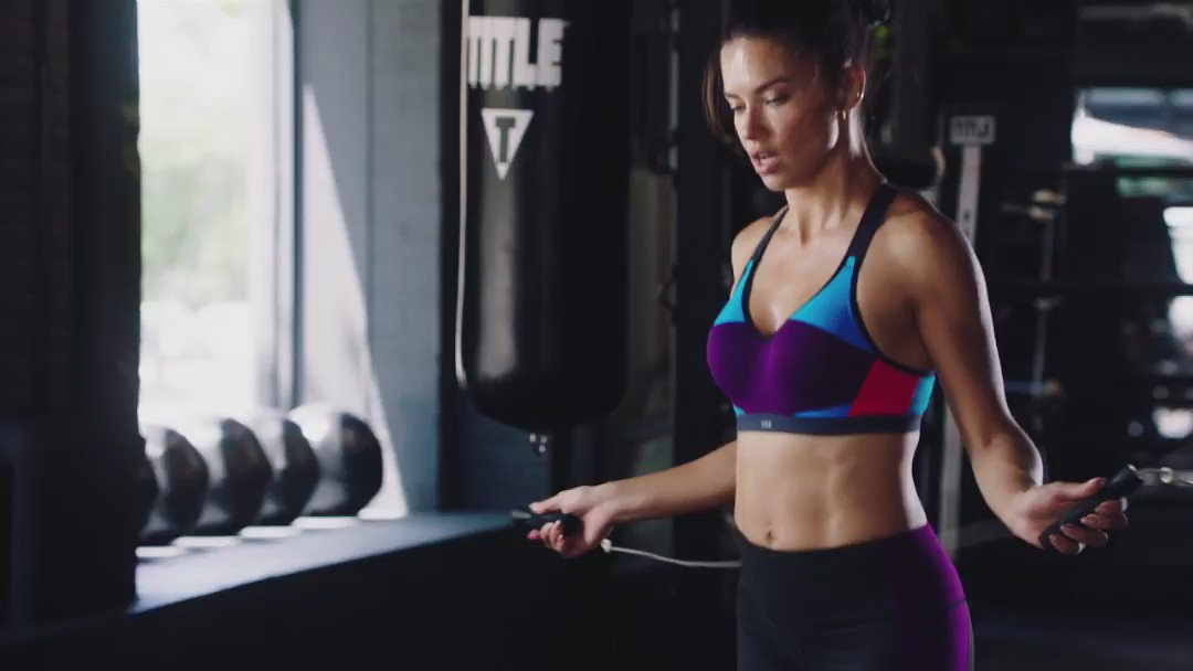 RT @VictoriaSport: Jumping rope: @AdrianaLima's ultimate cardio move. #TrainLikeAnAngel https://t.co/P4EaOqdfI9