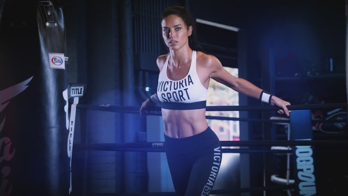 RT @VictoriaSport: You better hustle. FREE hat with your sport bra purch. ???????? ????????  only. https://t.co/CcTQ6Saj7n
