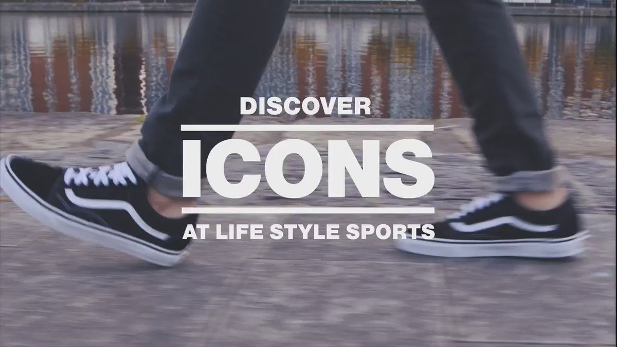 The Vans Old Skool is a rebel icon that refuses to grow up. Be iconic everyday. https://t.co/h1lvcjcgBZ