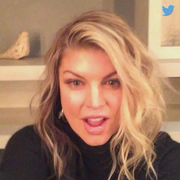 11 minutes late but I'll make it worth the wait! LIVE NOW! #askFergie https://t.co/ApFP44hjR0