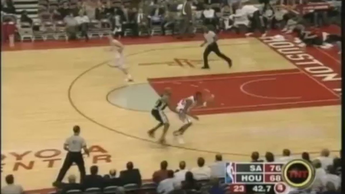 On this day in 2004, Rockets guard Tracy McGrady scored 13 points in the last 35 seconds to stun the Spurs. https://t.co/L5IrapyuHO