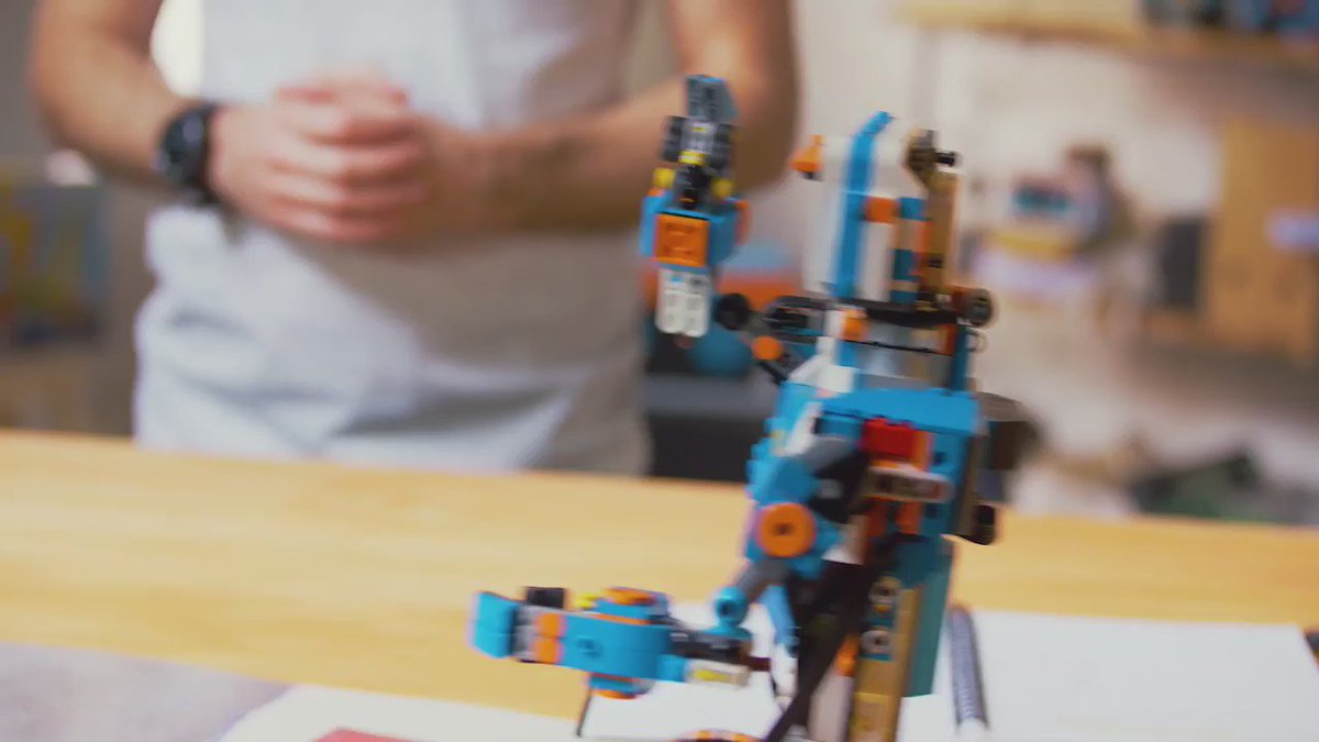 Lego's new kit teaches kids to code. https://t.co/qhSXd4U3tI https://t.co/6G92O2x8Cs