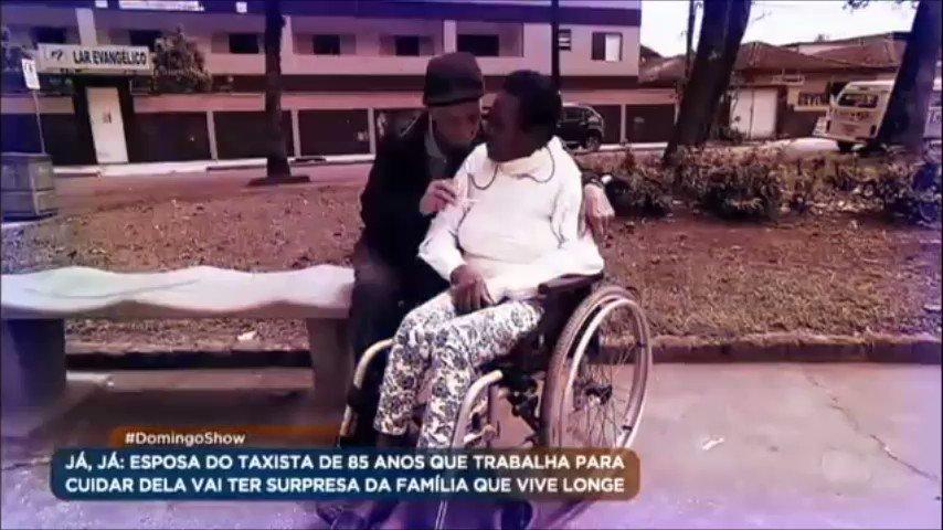 Aos 85 anos, idoso trabalha para cuidar da esposa que está internada em clínica https://t.co/cF31JuYQVG #DomingoShow