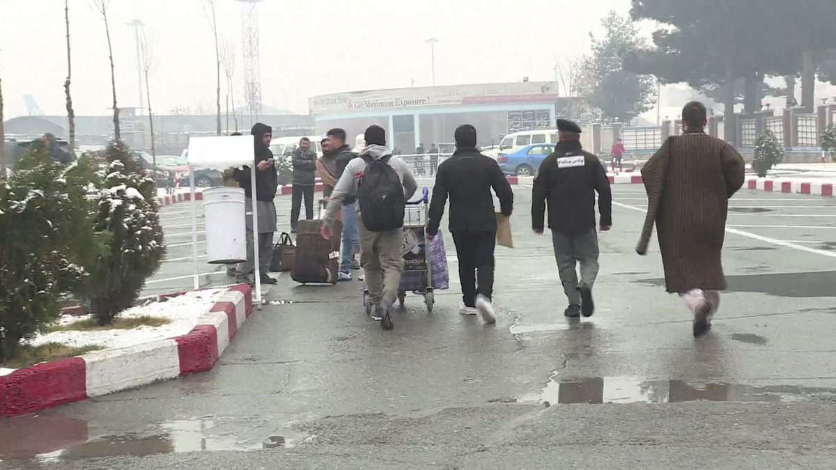 L'Allemagne renvoie un deuxième charter de migrants afghans #AFP
