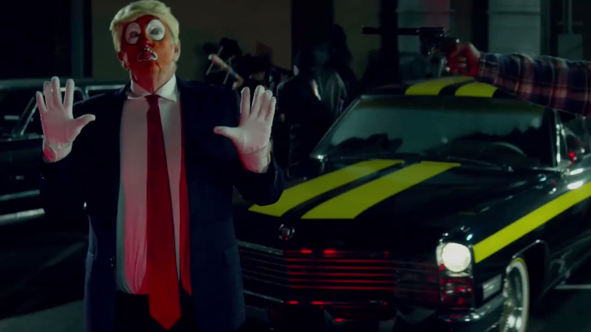 Snoop Dogg shot a clown that looked a lot like President Trump and people were outraged