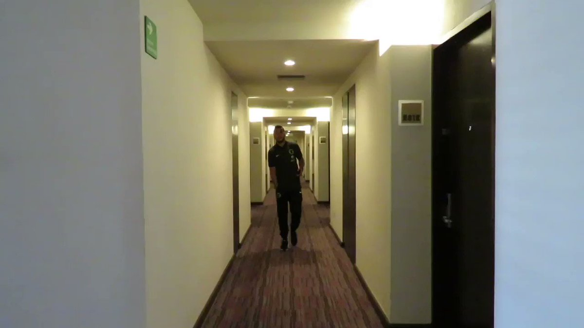 http://pbs.twimg.com/amplify_video_thumb/845388834288222208/img/JJg0PaDhdi9e4-D-.jpg