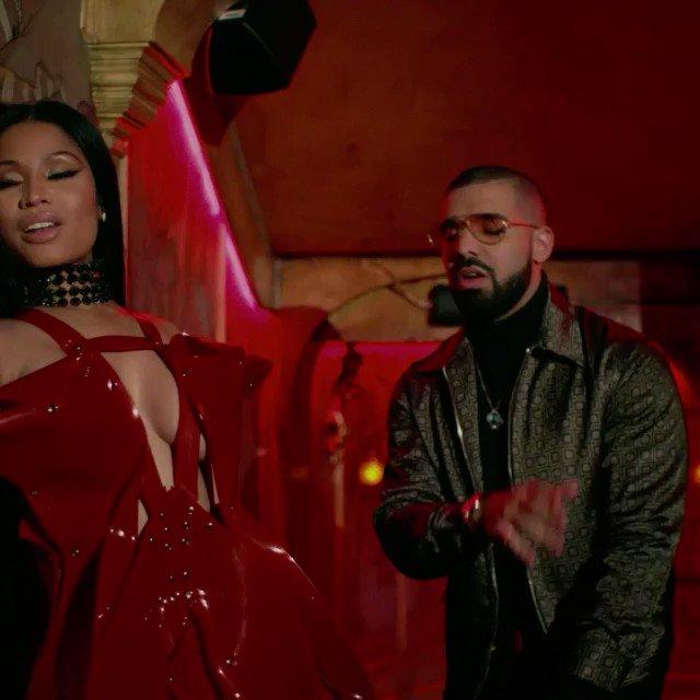 RT @Vevo: ???????? @NickiMinaj // #NoFraudsOnVEVO // Feat. @Drake and @LilTunechi ????????https://t.co/dopdyev1Kb https://t.co/6YmNrtP6BX