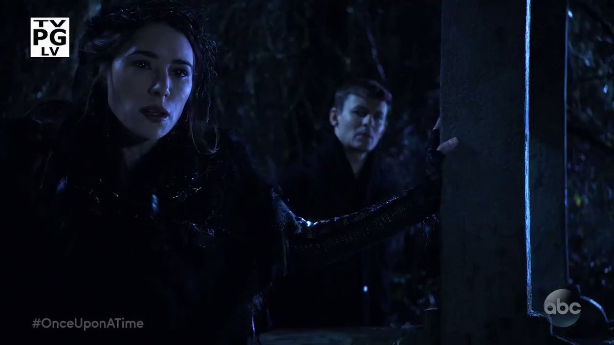 Destroying the Black Fairy will require the ultimate sacrifice. #OnceUponATime is all-new and up next on #ABC13. https://t.co/w0PUJxquwu