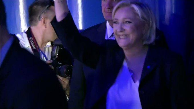 Marine Le Pen au second tour, 15 ans après son père #AFP