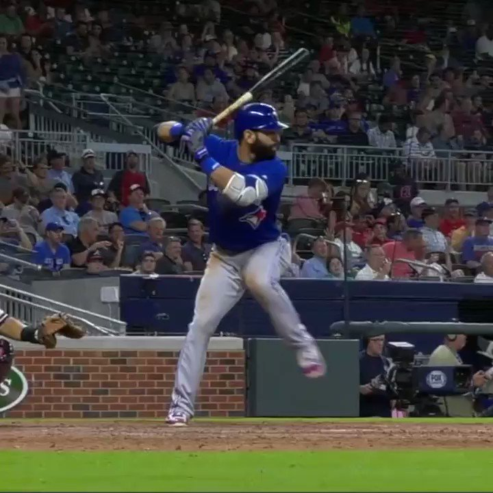 The bat flip that cleared the benches. MORE: https://t.co/nvcA9xF5rU https://t.co/Hm3ZS5YTIs