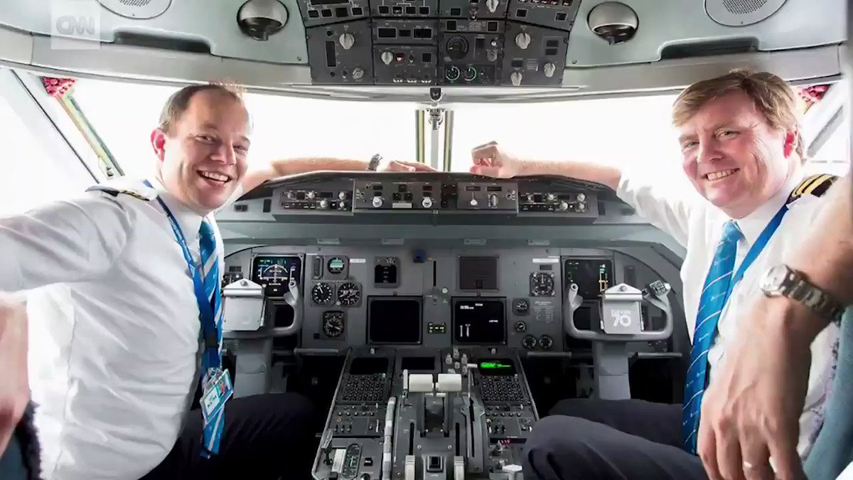 The King of the Netherlands has been secretly piloting KLM passenger flights for 21 years https://t.co/2gPKfC7SbY https://t.co/tWalZX7ATy
