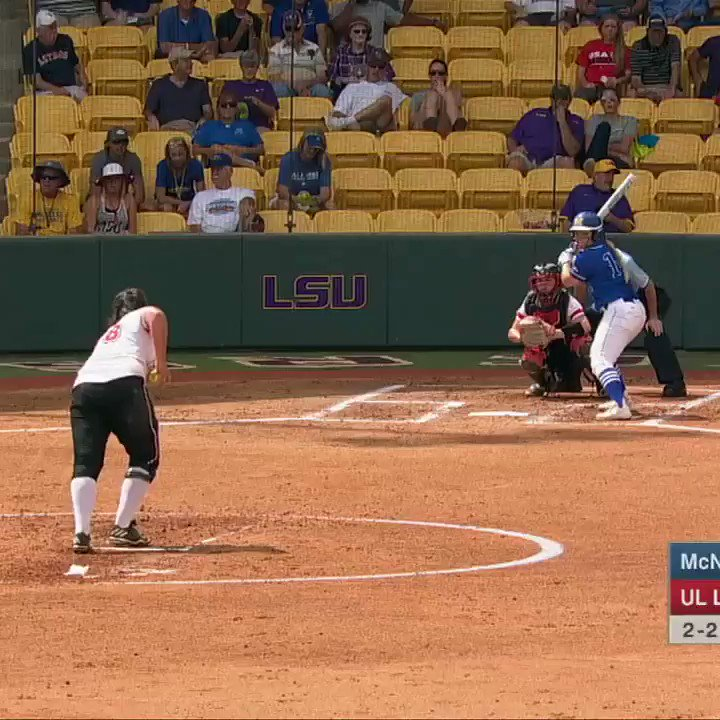 Home run robbery! �� #SCtop10 https://t.co/ZHWCaw8Sw3