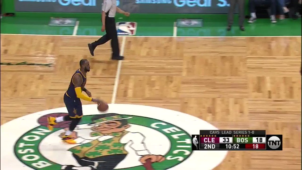 LeBron James is locked in.   The @cavs are on a 27-10 run in Game 2 on @NBAonTNT. https://t.co/oOpkxZVdQ6