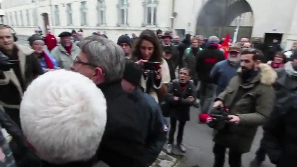 Contre Cazeneuve, 'Le Figaro' ou un cheminot... Quatre fois où Mélenchon est allé trop loin https://t.co/jgKPSm223N https://t.co/FLtlfc2QUg
