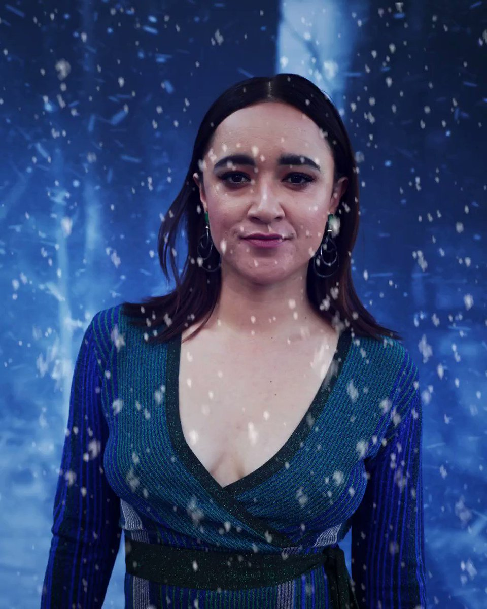 Winter has arrived to the #GoTPremiereLA and so has @YoItsKeisha. #WinterIsHere #GoTS7 https://t.co/BlfyYtXfpE