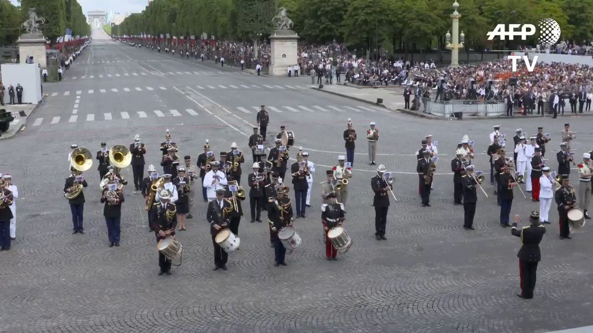 """French military band dazzles #BastilleDay parade with rendition of Daft Punk's hit song """"Get Lucky"""""""