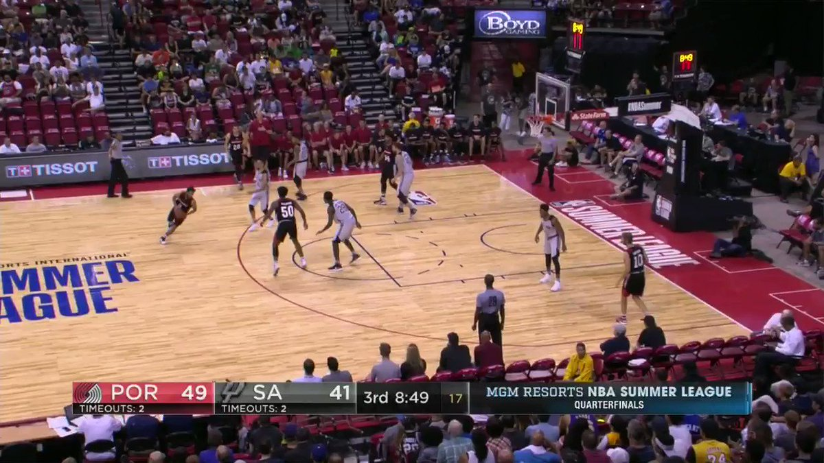 The 2016 @nbagleague MVP!  Jarnell Stokes gets the first bucket of the 2nd half for the @trailblazers. #NBASummer https://t.co/mcS4yqfWBI
