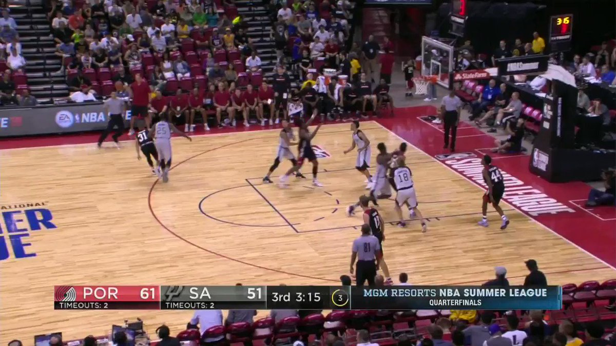.@spurs rookie Derrick White shows off the speed and gets to the rim on ESPN 2!  #NBASummer Quarterfinals! https://t.co/VI7XtruRxR