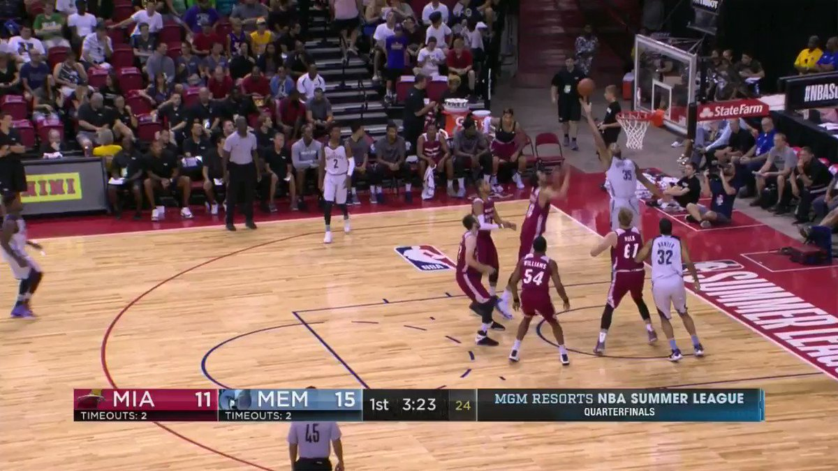 Kobi Simmons follows the miss with aggression for the @memgrizz! #NBASummer  ��: ESPN 2 https://t.co/NvcJ2jggPN