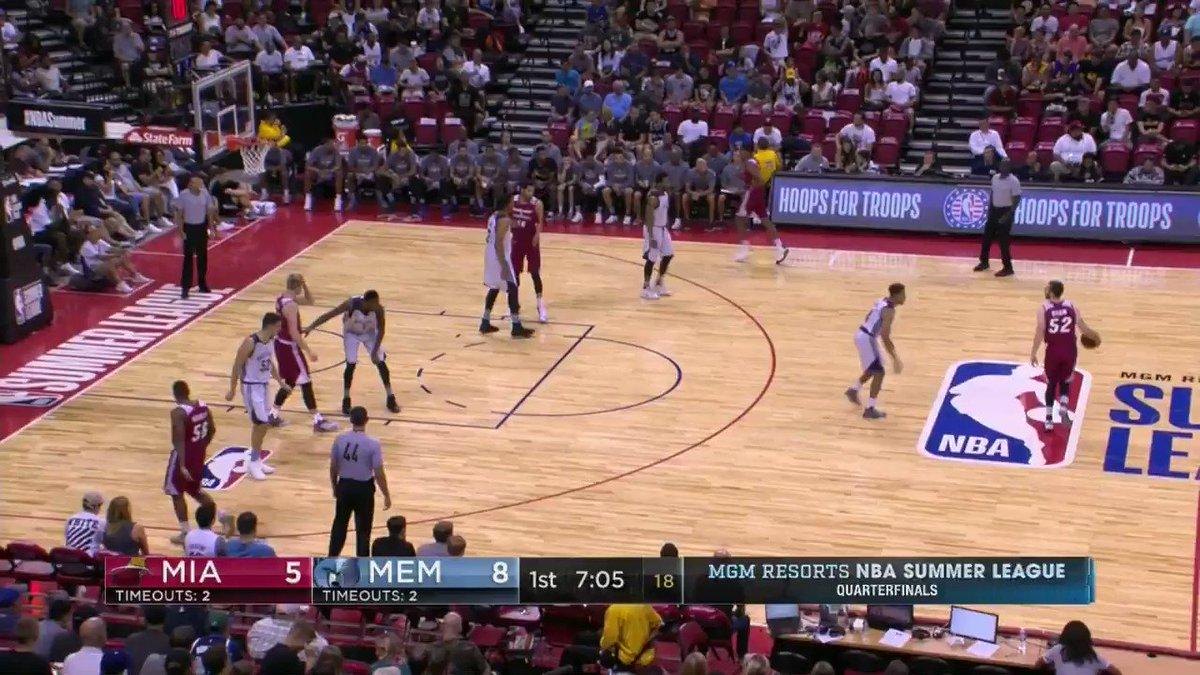 End of 1 on ESPN 2:  @memgrizz up 23-16 at the #NBASummer Quarterfinals!  Deyonta Davis: 4 PTS, 4 REBS https://t.co/GVitiVNeuv