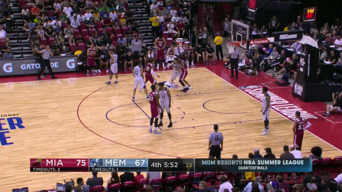 Post work from Zach Auguste!  @MiamiHeat with the lead heading to crunch time in the #NBASummer Quarterfinals. https://t.co/UR8gTNMRRo