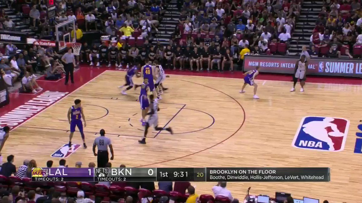 Spencer Dinwiddie gets the high alley-oop for the @BrooklynNets to give them the 1st FG on ESPNU! #NBASummer https://t.co/kP4AddvTAz