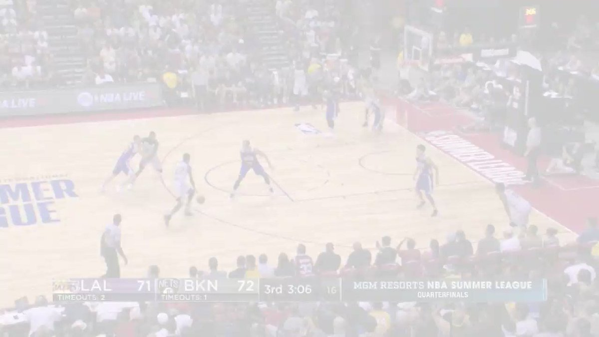 He is the reigning @nbagleague MVP!  Vander Blue breaks out in transition for the @Lakers at #NBASummer! https://t.co/oLlkmK9ANa