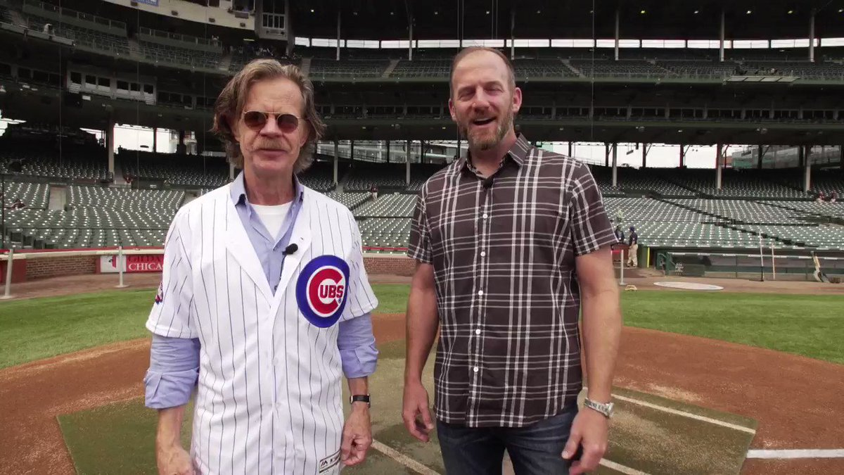 He may be a star, but @WilliamHMacy has no shame in showing his #Cubs pride. https://t.co/gZpbthtooQ
