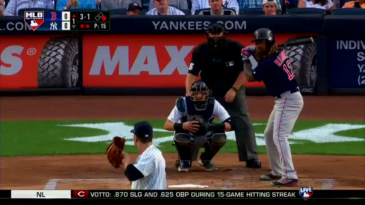 .@HanleyRamirez puts the @RedSox on the board in the 1st. #MLBNShowcase https://t.co/wcE3paXapc