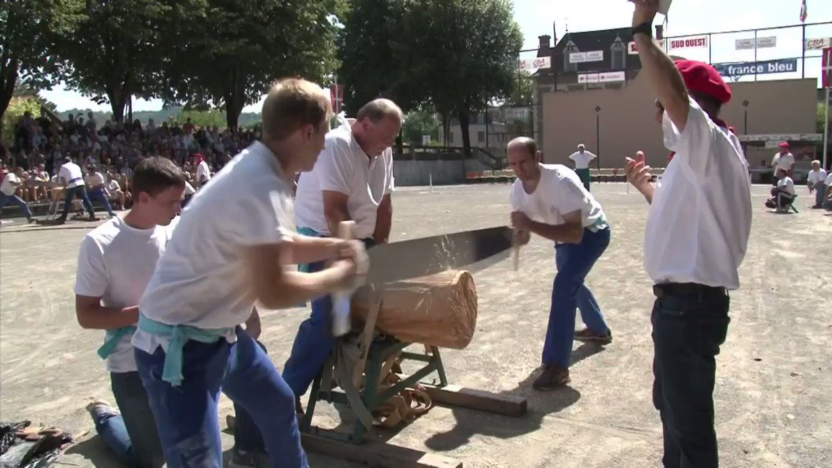 Basque Strength Festival: Log cutting, cart lifting and tug of war