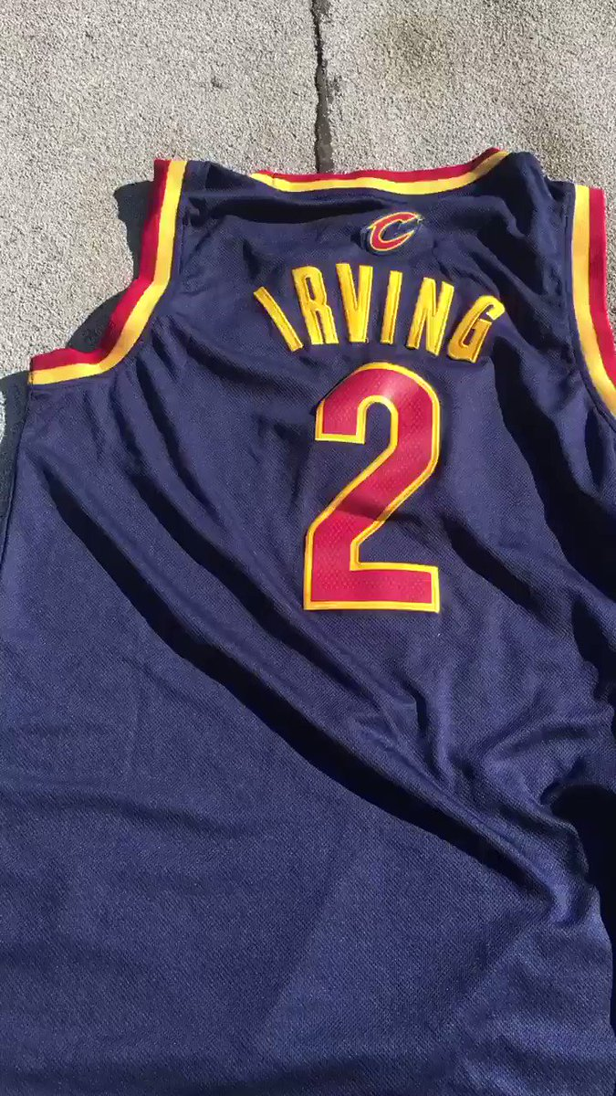 Cleveland fans say goodbye to Kyrie..   (via @tony_hartman) https://t.co/vdIgKMz2Rx