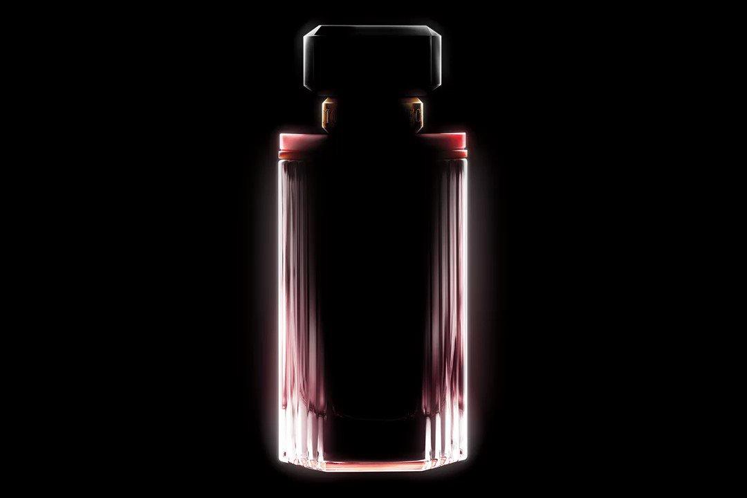 LOVE at first sight. ???? Shop the new fragrance now: https://t.co/LwdOF69Rxk #lovemademedoit https://t.co/FIz3sZaDpg