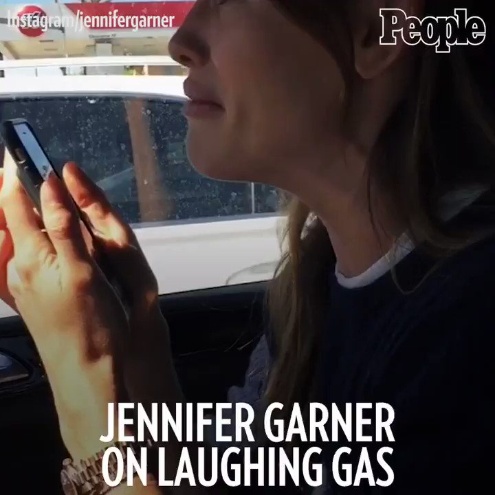 Anesthesia + laughing gas + Hamilton = one tearful (and very funny) Jennifer Garner