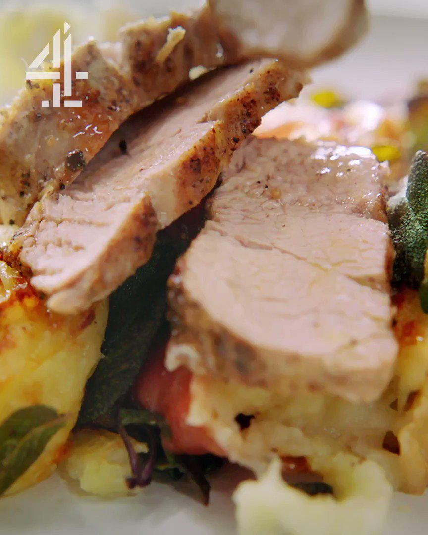 ????+????+????+????+???? = Pork and mash gratin! Hello #QuickandEasyFood https://t.co/wOOBifjBnN https://t.co/dYYTd1ZNvn